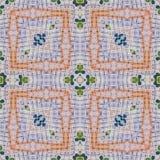 Modèle ethnique coloré grunge sans couture lumineux Le collage avec le pastel fabriqué à la main éponge, des pétales, feuilles, f photos stock