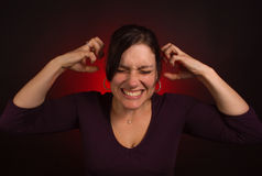 Modèle femelle avec PMS, dépression nerveuse photographie stock libre de droits