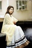 Modèle femelle indien dans le regard indien rural images libres de droits