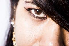 Modèle femelle indien dans le regard indien rural photographie stock