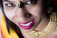 Modèle femelle indien dans le regard indien rural image stock