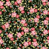 Modèle floral sans couture avec de petites roses roses, sur le fond noir illustration libre de droits
