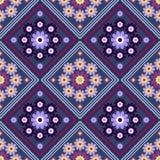 Modèle géométrique sans couture, fleurs dans un losange sur un fond bleu-foncé Images stock