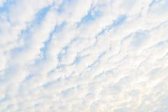 Modèle gentil de nuage photographie stock