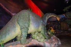 Modèle grandeur nature de dinosaure de lézard du ³ n d'Aragà d'Aragosaurus au dinotopia Siam Park City image stock