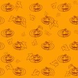 Modèle léger sans couture de Halloween avec des potirons et des feuilles Image libre de droits