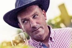 Modèle masculin avec le chapeau Photographie stock libre de droits