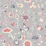 Modèle mignon des oiseaux, des fleurs, des feuilles et des brindilles Photo stock