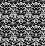 Modèle noir et blanc sans couture avec des silhouettes des papillons Images libres de droits