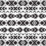 Modèle noir et blanc tribal sans couture Images stock