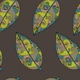 Modèle onduleux de feuilles Images libres de droits