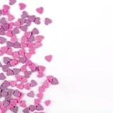 Modèle romantique de carte de voeux avec les sucreries et la cannette de fil en forme de coeur Photographie stock libre de droits