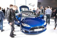 Modèle S de Tesla à l'IAA 2015 photo stock