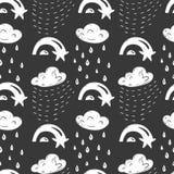Modèle sans couture à la main dessiné par sketh simple de ciel dans le style de bande dessinée avec le nuage, le parapluie, la pl Photographie stock libre de droits