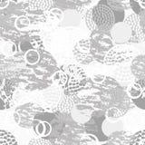 Modèle sans couture abstrait grunge noir, gris et blanc avec des cercles, des anneaux, de différentes courses de brosse et des fo Photo libre de droits