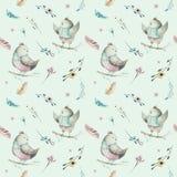Modèle sans couture animal mignon d'oiseau de bébé, illustration de forêt pour l'habillement d'enfants Boho tiré par la main d'aq Photo stock