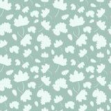 Modèle sans couture avec des feuilles en baisse d'un arbre : érable, feuille de chêne et gland Photo stock