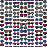 Modèle sans couture avec des lunettes de soleil Images stock