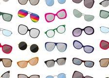 Modèle sans couture avec des lunettes de soleil Photo stock