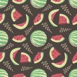 Modèle sans couture avec des pastèques de fruit d'été de bande dessinée sur le fond noir illustration libre de droits