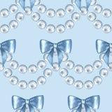 Modèle sans couture avec des perles et des arcs Photos libres de droits