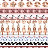 Modèle sans couture avec des symboles tribals de culture de cucuteni Image libre de droits