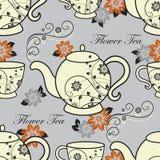 Modèle sans couture avec des théières et des tasses avec des éléments de conception florale illustration libre de droits
