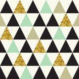 Modèle sans couture avec des triangles de scintillement d'or Images stock