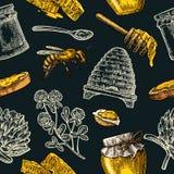 Modèle sans couture avec du miel, abeille, ruche, trèfle, cuillère, biscuit, nid d'abeilles Image libre de droits