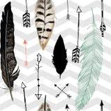 Modèle sans couture avec la plume et les flèches chevron Image libre de droits