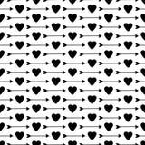 Modèle sans couture avec les coeurs et les flèches noirs Photographie stock libre de droits