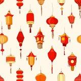 Modèle sans couture avec les lanternes chinoises de rue sur le fond clair Contexte avec de belles décorations orientales de vacan illustration de vecteur