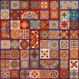 Modèle sans couture avec les mandalas décoratifs Éléments de mandala de vintage Rapiéçage coloré Photos libres de droits