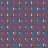 Modèle sans couture avec les papillons colorés sur un fond foncé illustration de vecteur