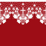 Modèle sans couture blanc de dentelle avec la croix sur le rouge Photo libre de droits