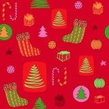 Modèle sans couture coloré de nouvelle année avec le bas de Noël, sucrerie, arbre de Noël, cadeaux d'ANG de boules Vecteur tiré p images stock