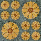 Modèle sans couture décoratif ethnique des fleurs jaunes photographie stock