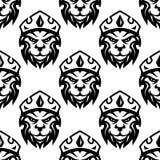 Modèle sans couture d'un lion royal couronné Photo stock