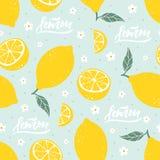 Modèle sans couture de citron avec le lettrage sur le fond bleu Illustration de vecteur Image stock