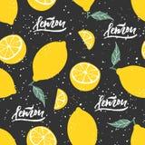 Modèle sans couture de citron avec le lettrage sur le fond noir Illustration de vecteur Photos libres de droits