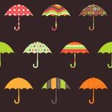Modèle sans couture de jolis parapluies illustration stock