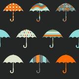 Modèle sans couture de jolis parapluies illustration de vecteur