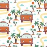Modèle sans couture de rétro planche de surf d'autobus en plage avec des paumes Images stock