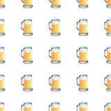 Modèle sans couture de tasse de bière blonde Illustration tirée par la main d'aquarelle sur le fond blanc illustration stock