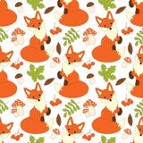 Modèle sans couture de vecteur avec les renards, les champignons, les baies et les feuilles mignons Forest Fox Seamless Pattern Photographie stock libre de droits