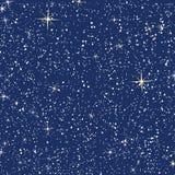 Modèle sans couture des étoiles sur le ciel bleu-foncé illustration libre de droits