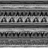 Modèle sans couture ethnique dans le style indigène Modèle sans couture de vecteur tribal avec le modèle indigène en noir et blan illustration libre de droits
