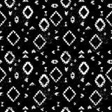 Modèle sans couture grunge ethnique aztèque géométrique âgé noir et blanc, vecteur Images libres de droits