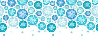 Modèle sans couture horizontal de flocons de neige ronds Photos libres de droits