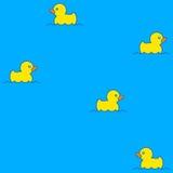 Modèle sans couture mignon avec les canards en caoutchouc jaunes sur l'eau Photos stock